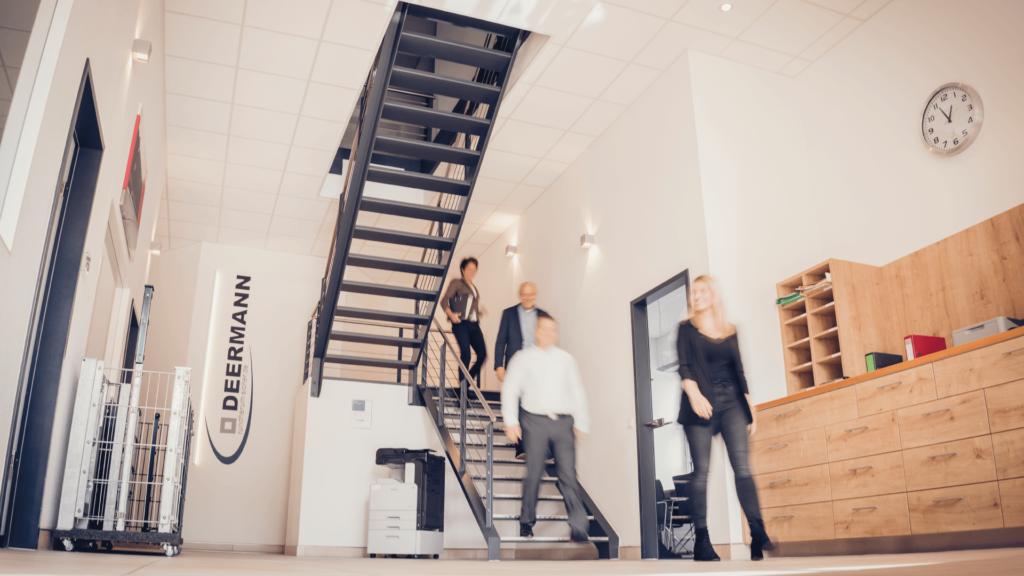 Deermann Eingang Treppe | Deermann Zaunsysteme